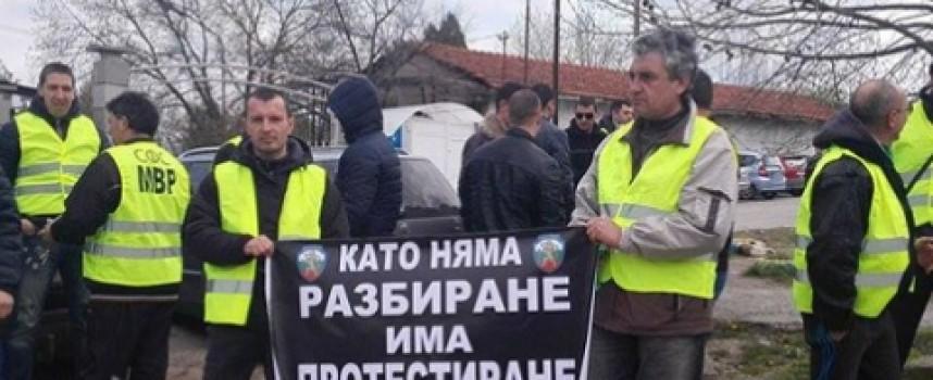 В петък: Полицаи и надзиратели на протест, искат 2.80 лв. на час за нощен труд