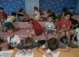 Деца се учат как да пазят природата от замърсяване