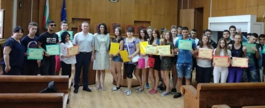 """В Съда: """"Аксаков""""-ци завршиха образователна програма"""