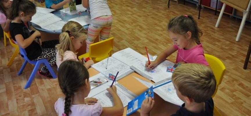 Утвърдиха нов модел на финансиране на детските градини и училища
