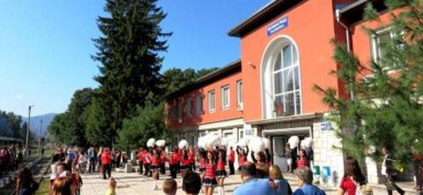 В събота: Подарете си незабравимо пътуване с теснолинейката за празника на Велинград