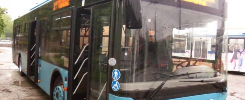Автобуси заменят тролеите в събота и неделя?