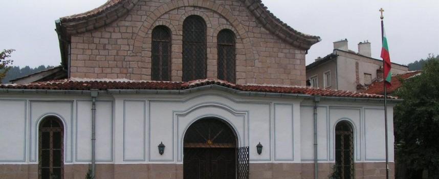 Дядо Николай дойде за тържествената литургия на храм Йоан Предтеча в Брацигово