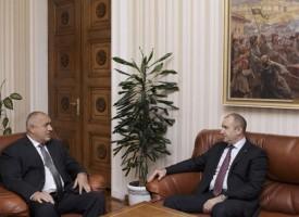 """Президент и премиер се срещнаха на """"Дондуков""""2, картината с пастира я няма"""