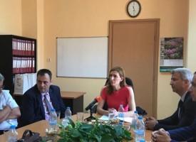 Министър Ангелкова се срещна с кметовете на Пещера, Брацигово и Батак