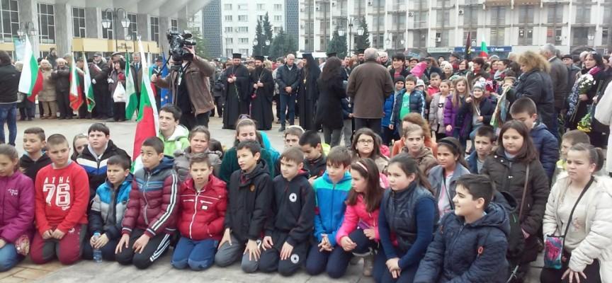 УТРЕ: Покланяме се с цветя и венци на Васил Левски