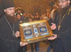 В неделя: Посрещаме покрова и одеждата на Света Богородица