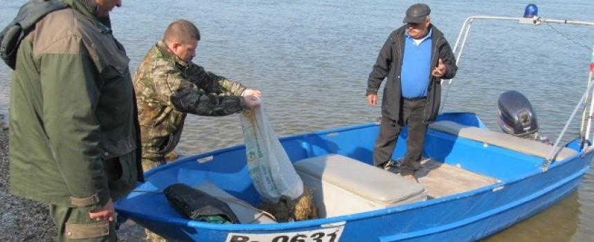 През юли: Пет нощни проверки на язовирите Доспат и Батак спасиха 140 кг риба