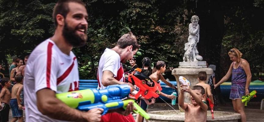 В неделя: Елате на война с водни пистолети на Острова
