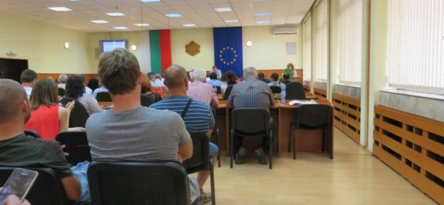 На сесия: Актуализират заплатите на кметовете от община Пазарджик, вижте