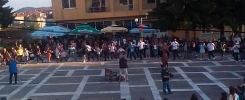 Равногор: Младежките вечери продължават и днес
