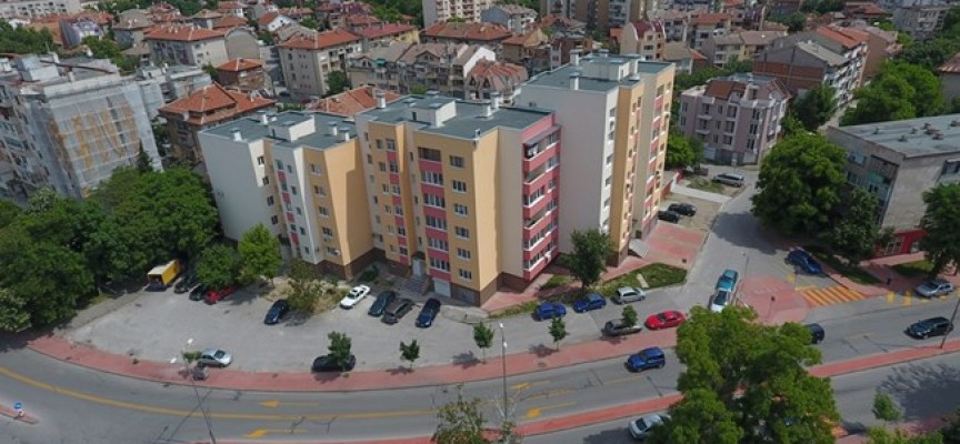 Домоуправители на санирани блокове ги включват в национален конкурс