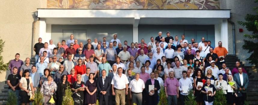 219 асарелци бяха наградени за професионални постижения и дългогодишен стаж в компанията