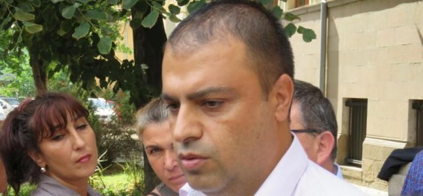 Георги Генов е арестуван на вилата на родителите си в Мухово