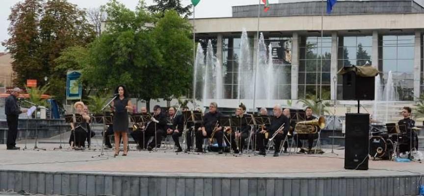 Отбелязваме годишнината от Съединението с традиционен концерт на Тортата