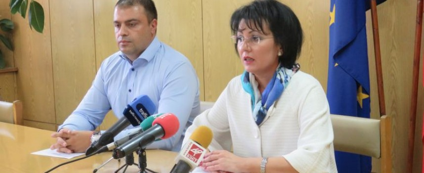 Румяна Арнаудова: Кметът на Септември е задържан