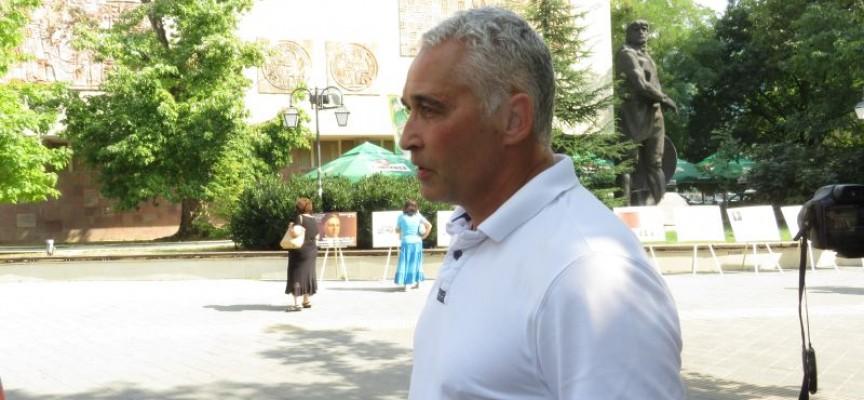 Димитър Петков: Дребните стопани са като боксова круша
