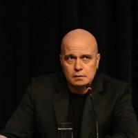 Слави Трифонов благодари на избирателите, но не каза нищо повече