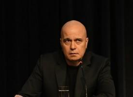 Слави Трифонов продължава да набира кандидати за проекта си
