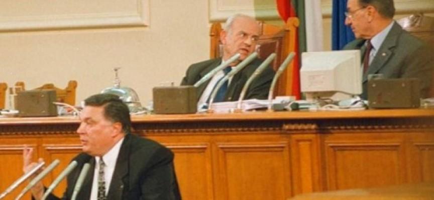 Арлин Антонов: Криминално проявени и без образование да нямат право да гласуват