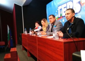 Гербери от цялата страна отказват да приемат оставката на Добрев, следващият атакуван е Найден Шопов