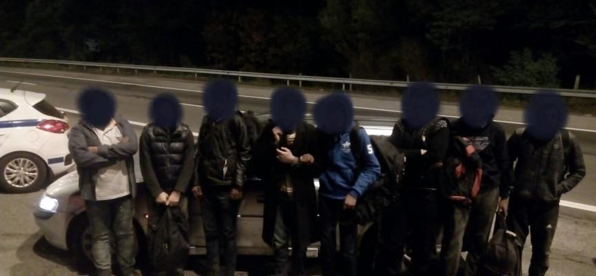 "Осем мигранти спипаха край ""Траянови врата"" на АМ""Тракия"""