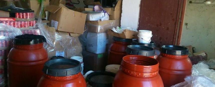 Полиция и инспектори по храните иззеха 1500 кг нелегални маслини