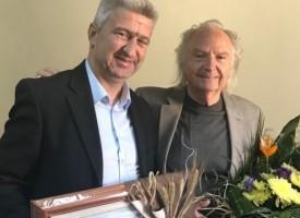 Николай Зайчев поздрави лично проф. Людмил Стайков за 80- годишнината му