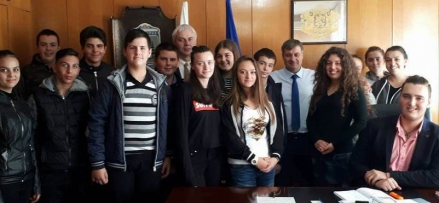 Велинград: Бъдещи управленци ще участват в работата на Общинския съвет