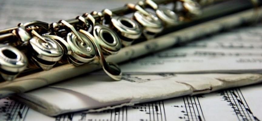 Тази вечер: Румънската пианистка Йоана Илие свири Бетовен и Моцарт, дирижира Пиер Калабрия