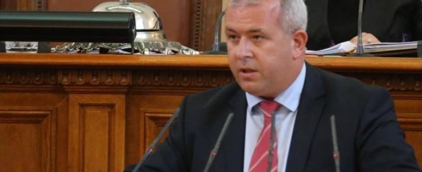 """Министър Димов отговори на Йордан Младенов за """"Купена"""""""