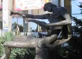 Богатствата ни: Четиридесет години Орфей стои  на пост в центъра на Пазарджик