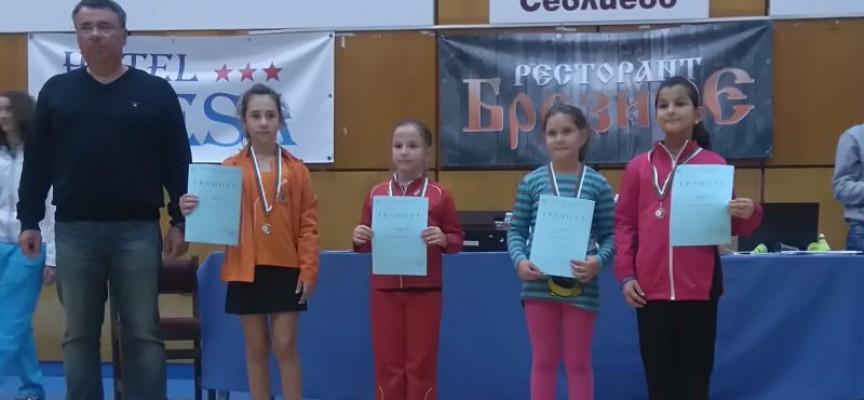 Четвърто място за малките бадминтонисти от Държавното първенство за деца под 11 години