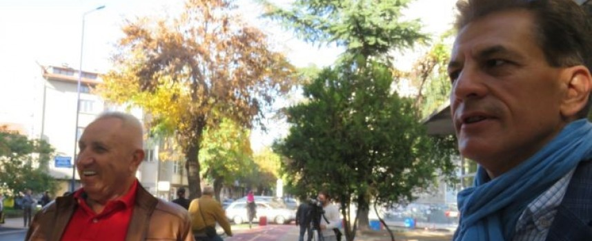 """Пазарджиклия направи градинка с рози на обновения """"Ал.Стамболийски"""""""