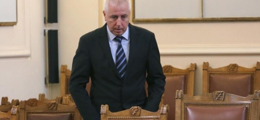Министърът на здравеопазването подаде оставка, приета е