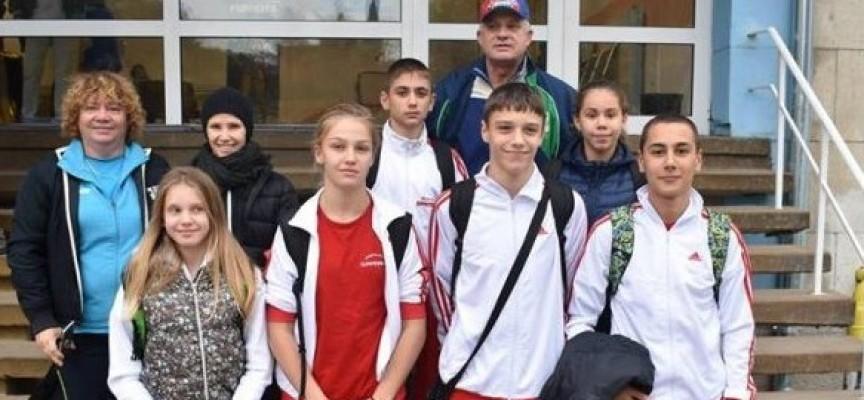 """Нора Стойчева от СК""""Шампион"""" с два медала по плуване"""