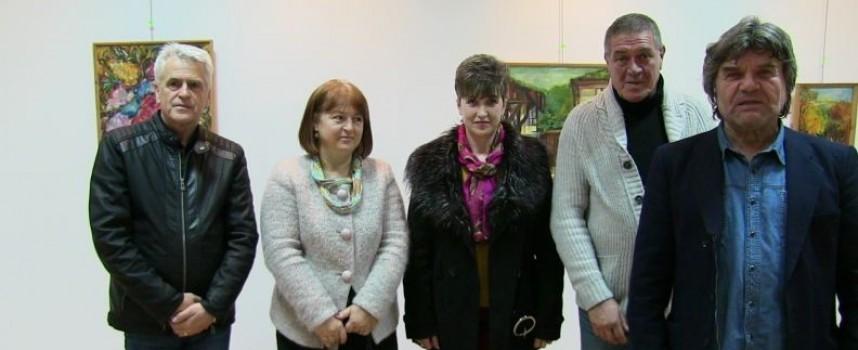 За ценителите: В Пещера откриха изложба на Мара Атанасова