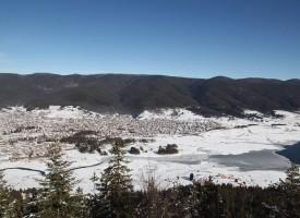 Сърница: Общината призова да не се оставят коли на пътя през зимата, пречат на снегорина