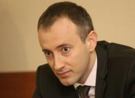 Министър Красимир Вълчев дойде на среща с учителите в Пазарджик