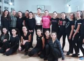Ренета Камберова мотивира мажоретки за турнира в Загреб