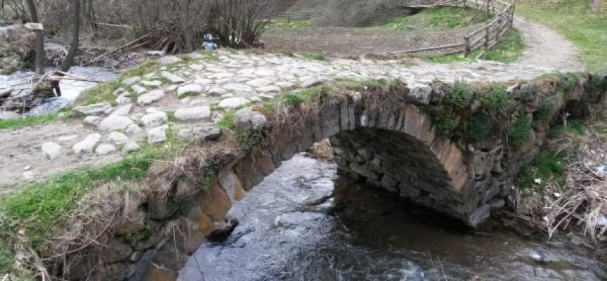 Фотинска река потече с фекалии, водопадите – кафяви, РИОСВ ще проверява източника