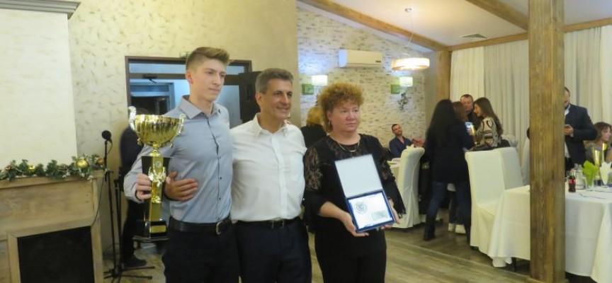 """Йордан Гюров от СК""""Шампион"""" е """"Спортист на годината"""" за Пазарджик"""