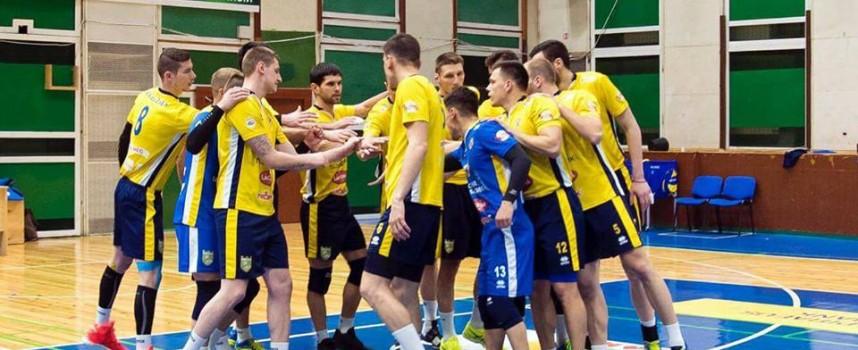 ВК Хебър победи Левски след люта битка