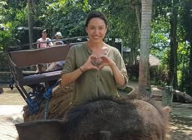 Светска хроника: Рени Камберова посрещна Нова година на остров Бали