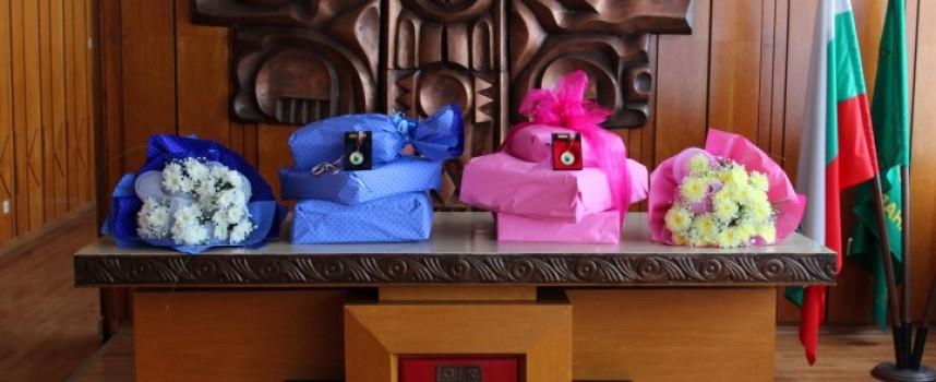 За Бабинден: Община Панагюрище орисва първото родено бебе през тази година
