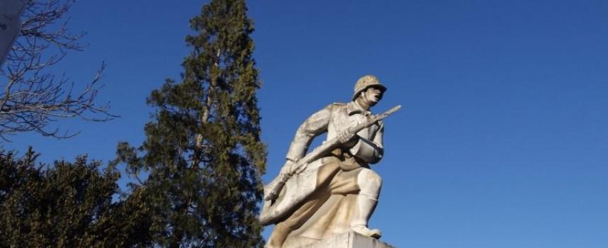 С 10 000 лв. правим военен паметник и ремонтираме този в Капитан Димитриево