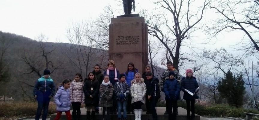 Минута мълчание за Васил Петлешков, Брацигово почете героя си