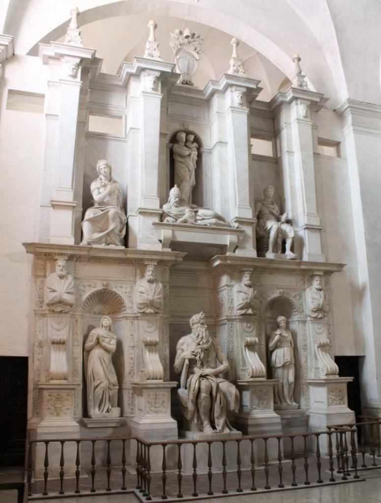 16San-Pietro-in-Vincoli5 - гробницата на папата