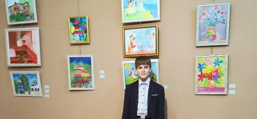 """12-годишен художник от Панагюрище с изложба в """"Георги Машев"""""""