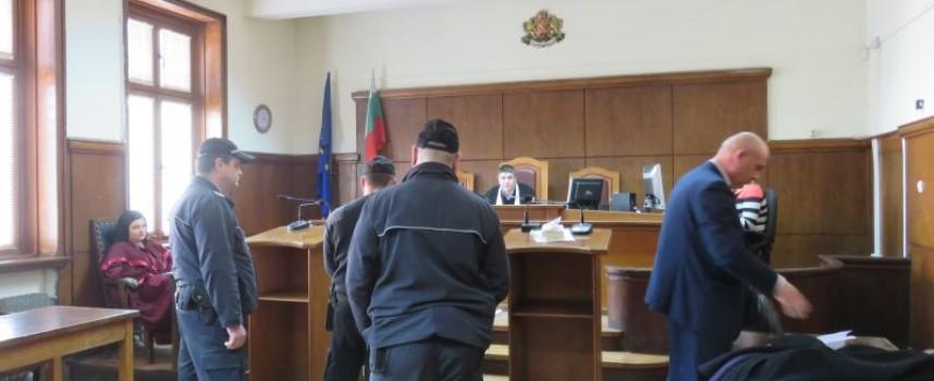 Димитър Михайлов: Храних си кучето, не беше агресивно